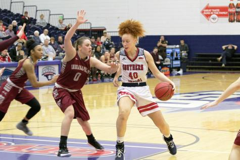 GALLERY: USI Women's Basketball Win vs. University of Indianapolis 71-58
