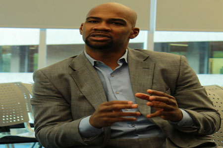 Former Super Bowl winner speaks to student athletes