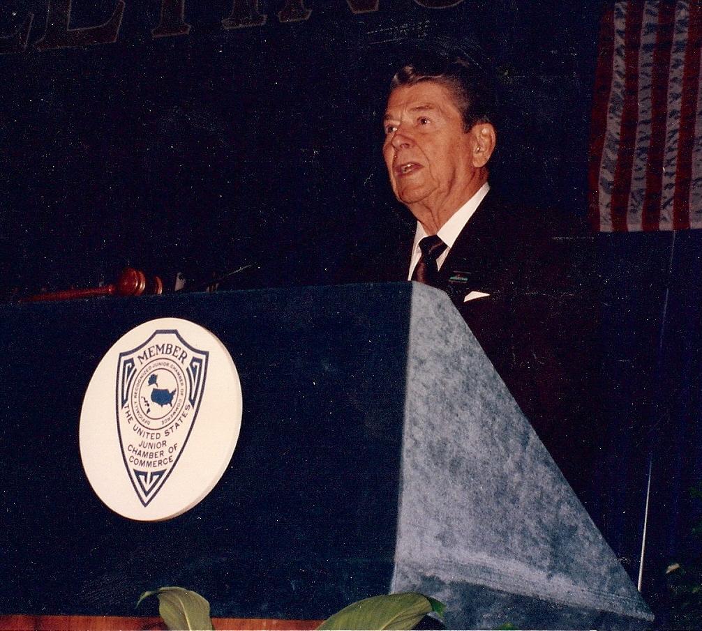 Addressing the U.S. Junior Chamber 1992