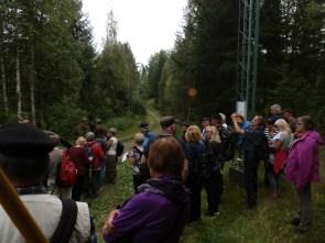 Ristisaattoväki odottaa rajanylitystä. Kuva: Jere Kyyrö
