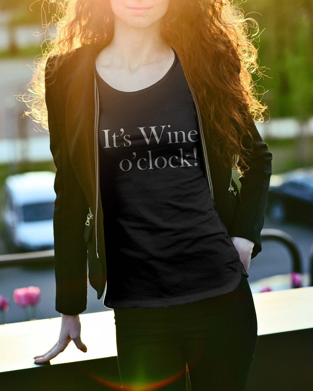 It's Wine o'clock - Premium T-shirt dam