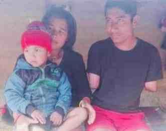सुदुरपश्चिमेली नेपाली समाजले गर्यो दुई हात र एक खुट्टा नभएका बुद्धिमान कुवँरलाई सहयोग
