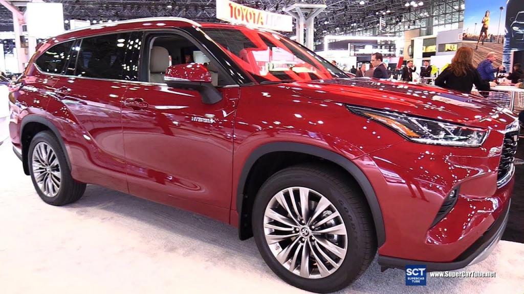 2022 Toyota Highlander Wallpapers