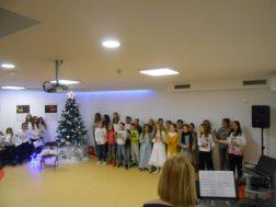 proslava božića zbor i oš kamen 14