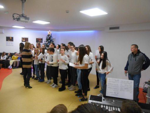 proslava božića zbor i oš kamen 42