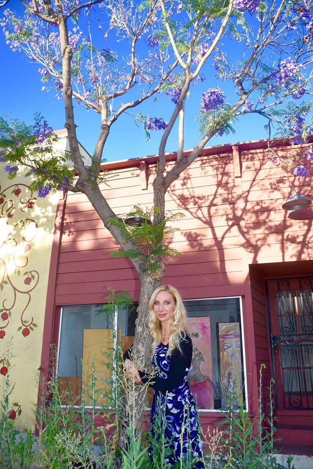 The woman who fell in love with a jacaranda tree
