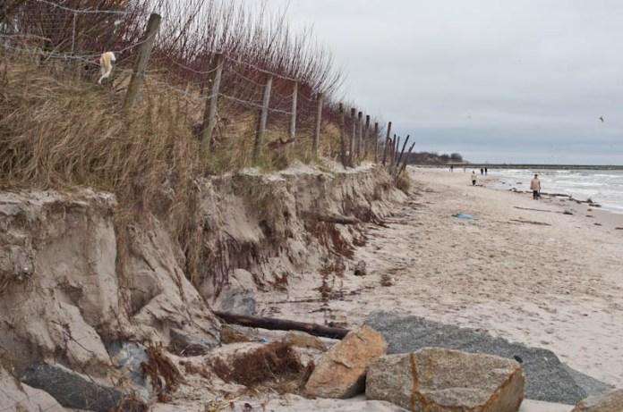 Zniszczona plaża wchodnia w Ustce - ustka24.info