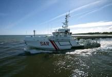 Ratownicy pomagali żeglarzom na wywróconym katamaranie - ustka24.info