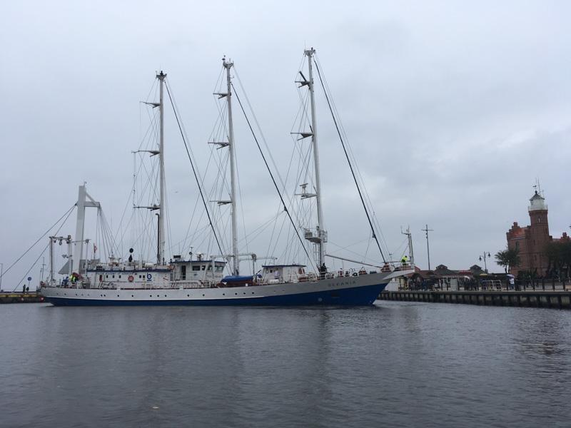 Żaglowiec Oceania zawinął do usteckiego portu morskiego - FOTO, WIDEO