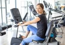 Trening na rowerze poziomym - jakie partie mięśni rozwija?