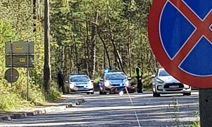 Zderzenie samochodu i skutera na drodze do Lędowa - ustka24.info