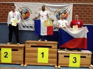 Titi médaille d'or WKF Amateur
