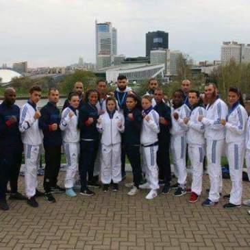 Yacine et l'équipe de France de MuayThai