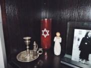Jewish décor around the Winkler house (Madison Butcher)