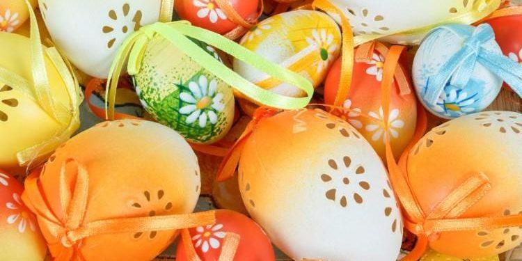 easter-eggs-in-basket[1]
