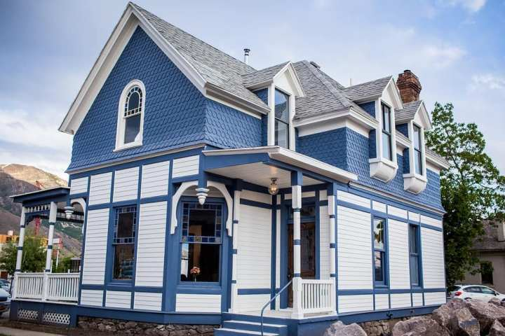 Provo Encircle House LGBTQ+ Youth and Family Resource