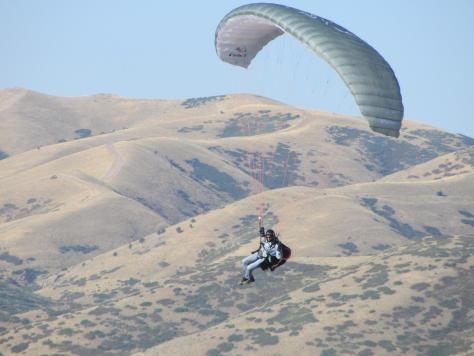 Carl paragliding
