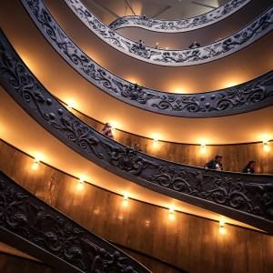 róma vatikán múzeum lépcső