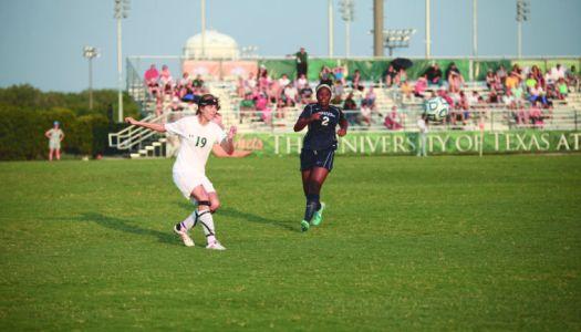 Seniors reflect on women's soccer season