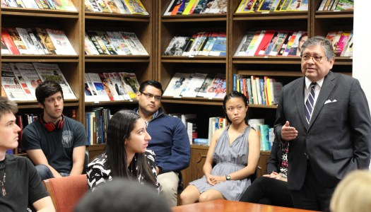 Dallas mayoral candidate swings by campus