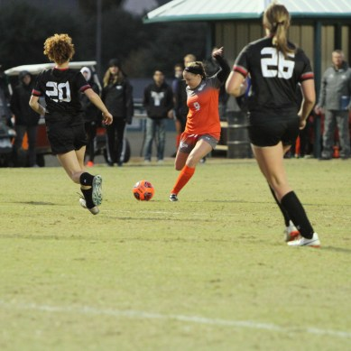 Women's soccer wins first game of ASC 2-1