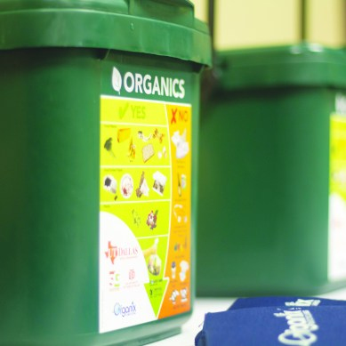 Comets compost to curb food waste