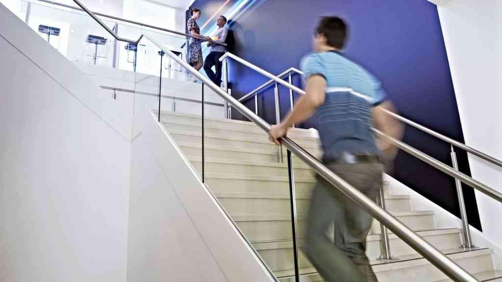 En trappa och en minut är allt du behöver för att öka orken.