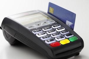 Da fine giugno obbligo del Pos per tutti i professionisti: pagamenti possibili a partire da 30 euro