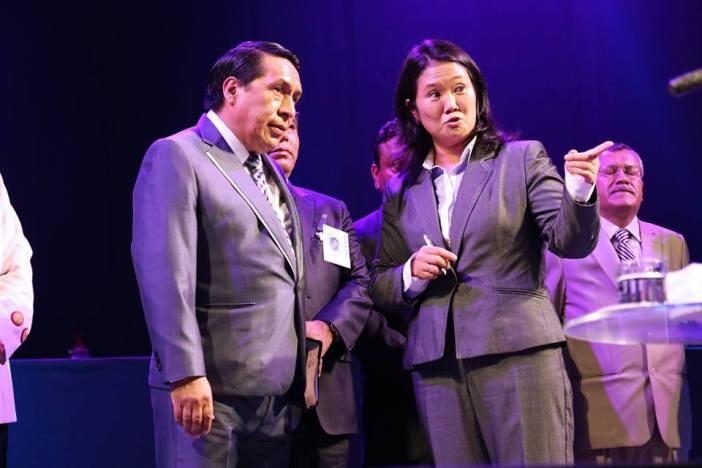 Santana y Fujimori. Foto: Facebook Ministerio Alberto Santana