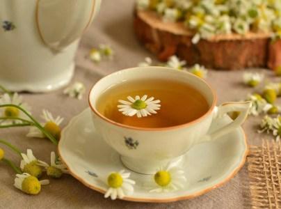Ceai de mușețel: Beneficii + Cea mai aromată rețetă