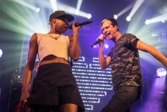 Michael Fitzpatrick and Noelle Scaggs of Fitz and the Tantrums singing their hearts out together.
