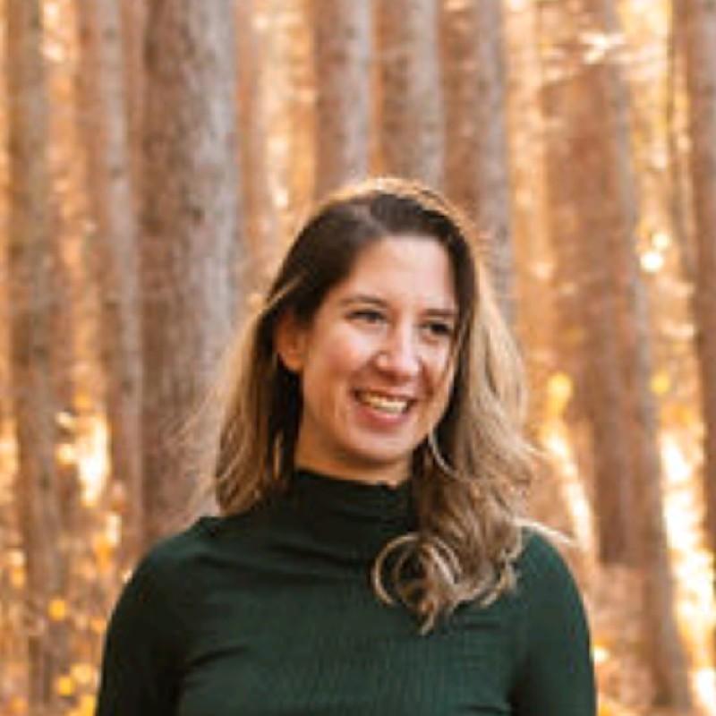 Community Manager Kristina Lalatovic