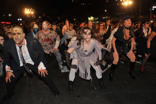 New York City reacts to Thriller at the Halloween Parade 2016