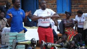 UviraOnline est Fier de Joshua Munonge: Donner l'amour, la joie et l'espoir aux autres