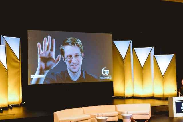 Edward Snowden addressing attendees. Photo by Meehakk Mulani