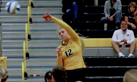 'Jackets top St. Catherine in five sets; Split at UWRF