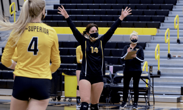 Yellow rolls to second straight sweep over Black, finish in 78 minutes