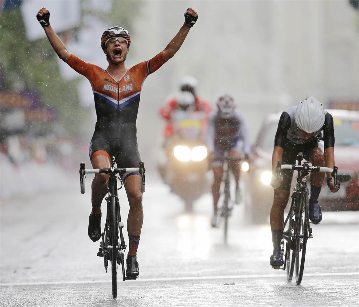 Sporting passion, a recipe for emotional bias?