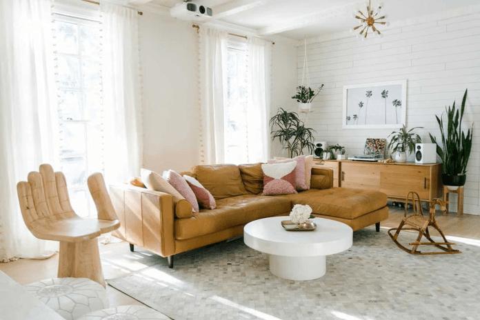 Угловой диван и кресло в виде руки