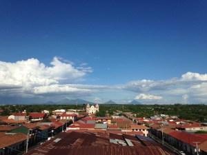 Çoğu İspanyol koloni şehrinde olduğu gibi, sadece 1-2 katlı binalar var.