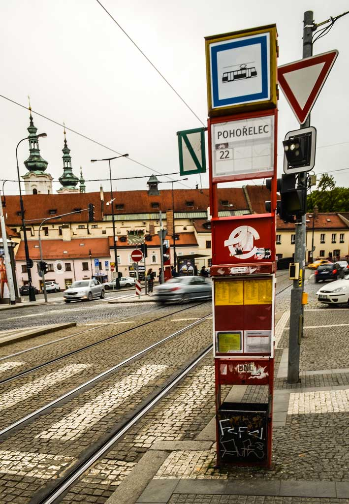 Прага. Трамвайная остановка «Погоржелец» (Pohořelec)