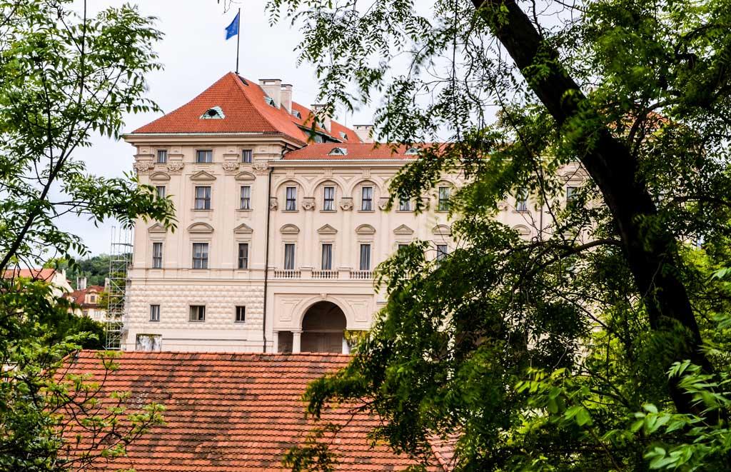 Градчаны в Праге. Чернинский дворец