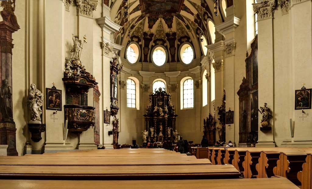 Достопримечательности Праги. Костёл Святой Маргариты (Kostel sv. Markéty). Внутреннее убранство храма