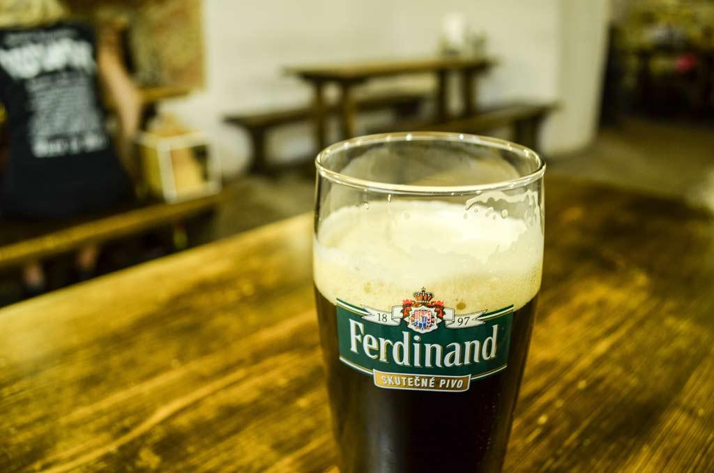 Прага. Пивной ресторан «Ferdinanda Malostranská». Тёмный лагер «Ferdinand Tmavé 11°»
