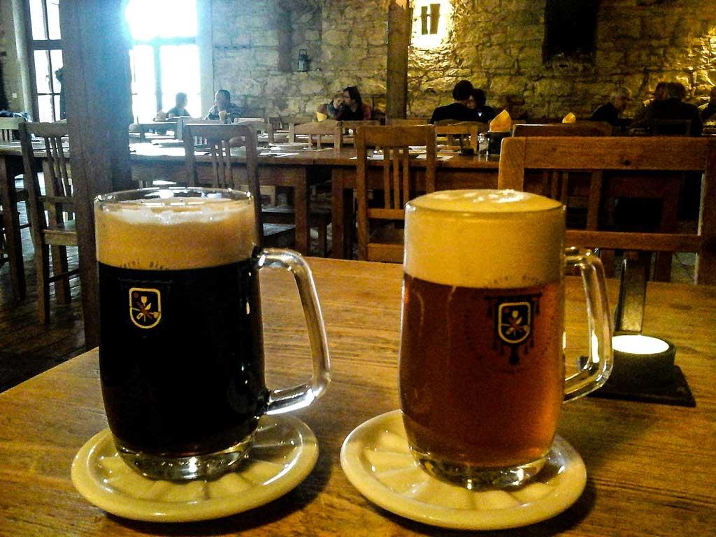 Прага. Чешское крафтовое пиво. Индийский светлый эль «Benedict IPA 15°» и «Benedict černé 11°»