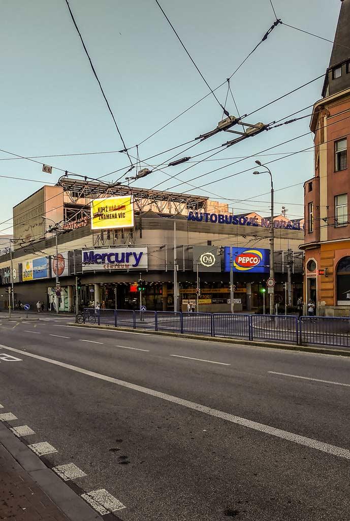 Автовокзал Ческе-Будеёвице на крыше торгового центра «Mercury»