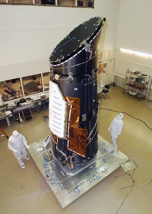 Uzaya fırlatıldığı 2009'dan beri yaşama elverişli 132 Dünya benzeri gezegenin varlığını teyit eden Kepler teleskobu, ayrıca yaşama elverişli olma ihtimali bulunan iki bin 700'ü aşkın gezegen saptadı.