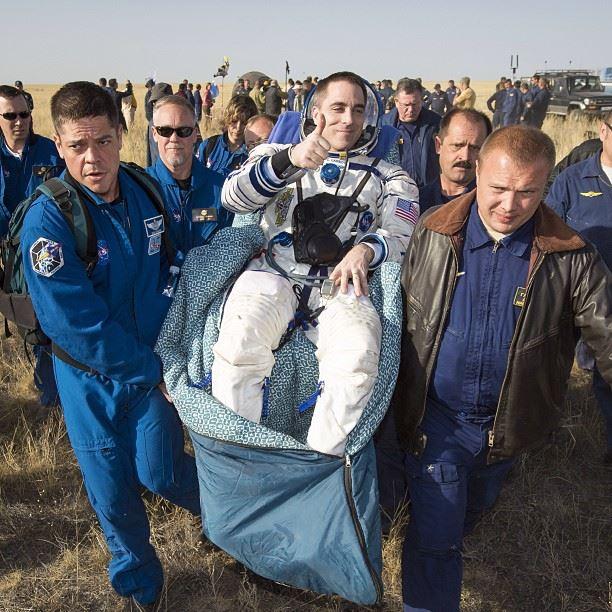 Soyuz ve 3 Astronot Dünya'ya Döndü