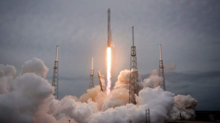 falcon911_spaceX_main