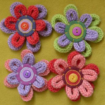 Цветы из шнура крючком
